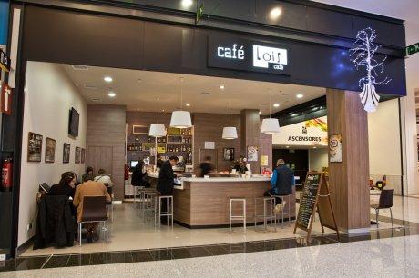 oss diseño-cafe lois- centro comercial as cancelas-santiago de compostela-diseño e interiorismo-proyecto de decoracion-oscar santome- foto general