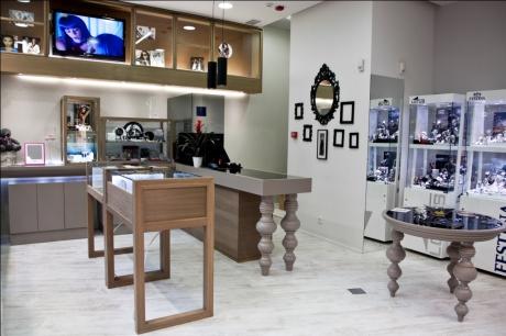 vista interior01-oscar santome-diseño de joyeria-oss diseño- proyecto y direccion-estudio de interiorismo-atempo-centro comercial as cancelas-santiago de compostela