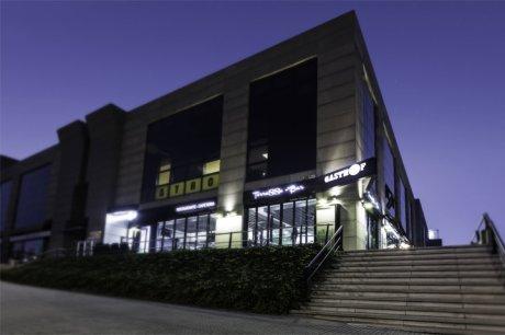 diseño e interiorismo coruña-oss diseño-oscar santome- gasthof la grela- terraza restaurante- proyecto decoracion-contract 00-fachada nocturna