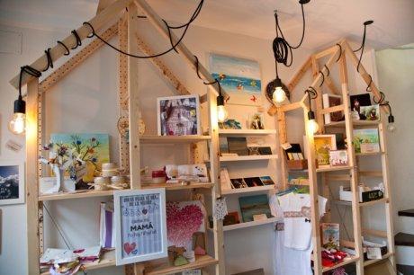 estanteria customizada-decoración oscar santome diseño-tienda y gestion de tiempo en a coruña-filosofia totem-interiorismo comercial oss diseño