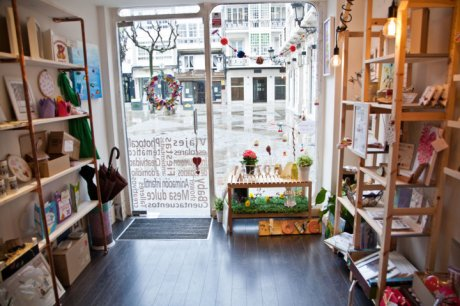 tienda totem vista general 01-decoración oscar santome diseño-tienda y gestion de tiempo en a coruña-filosofia totem-interiorismo comercial oss diseño