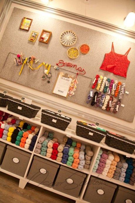 Oscar Santome Diseño- Diseño de tienda de lanas-Detalle zona expo01-Proyecto de interiorismo en edificio protegido ecléctico