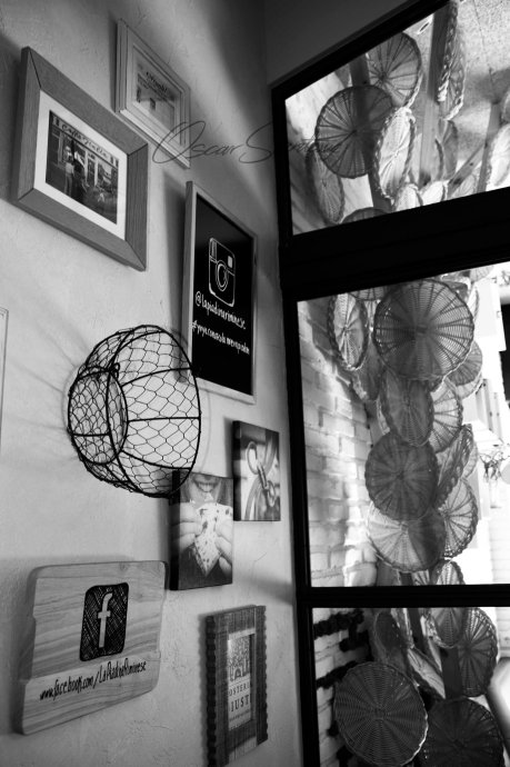 la piadina riminese juana de vega-a coruña-oscar santome diseño- interiorista contract-detalle atrezzo y escultura cestas