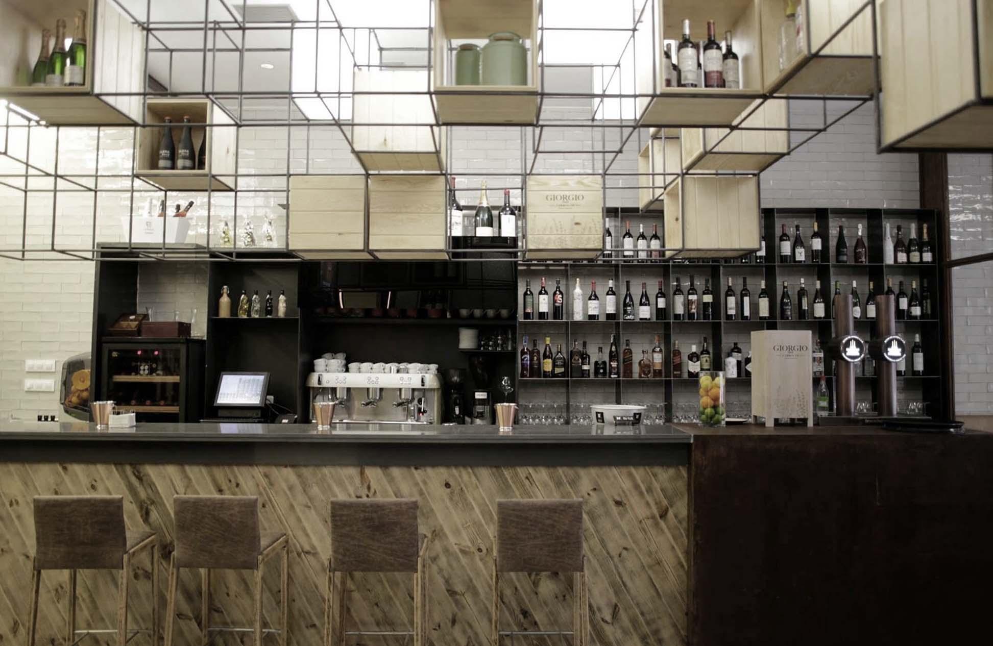 Restaurante vinoteca casa pilar a coru a oscar santom - Diseno de vinotecas ...